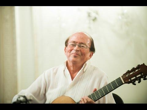 Carlos Barbosa-Lima performs