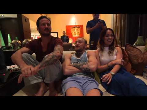 Conor Mcgregor Watches Mark Hunt vs Roy Nelson - Jesus Loves Knockouts - UFC 194