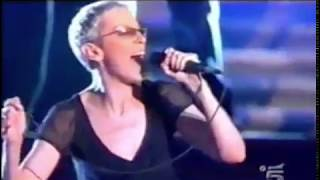 Annie Lennox -  A Thousand Beautiful Things (Live In Rome 2003)