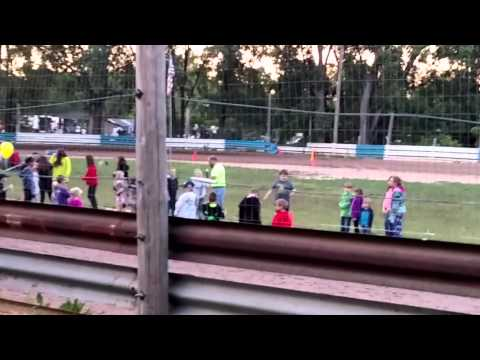 Kid sings wiggle my pickle at race track