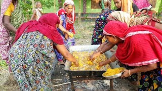 Spice Onion Fry For Afternoon Snacks of Village Kids & Villagers - Hot Piaju Making By Women