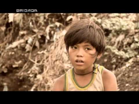 In Smokey Mountain, kids scour the landfill for precious gold | Brigada