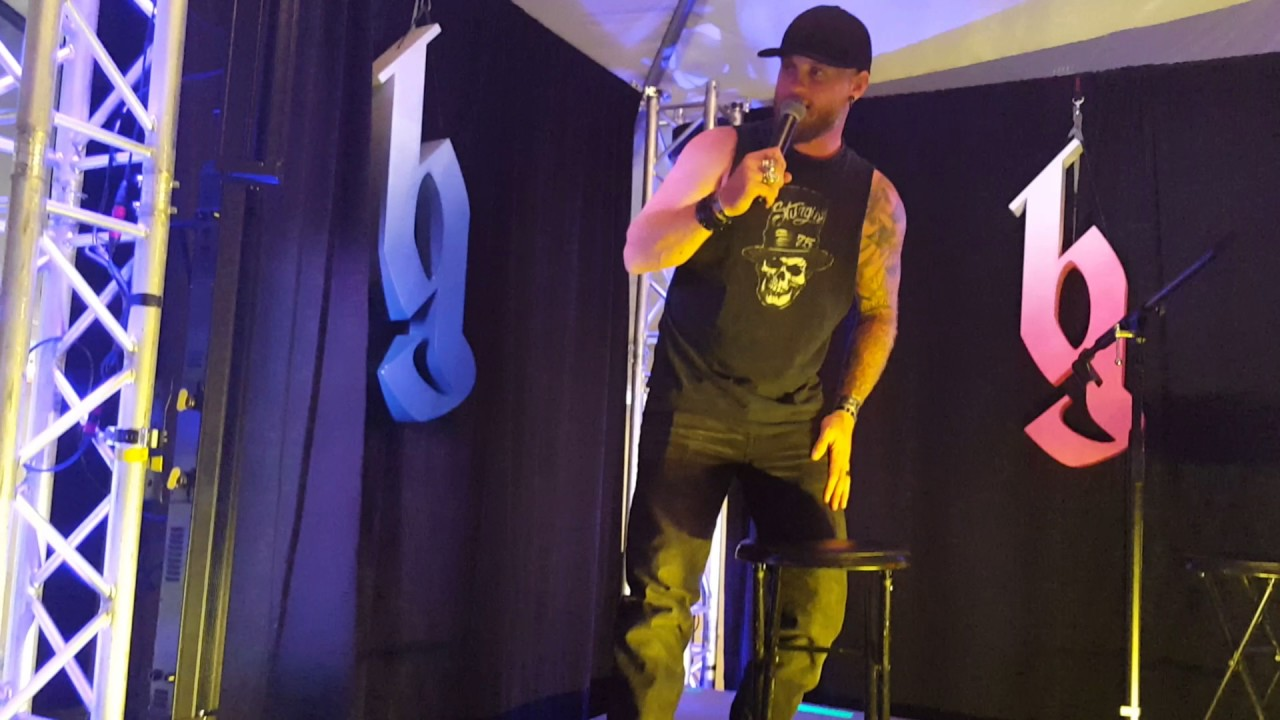 Brantley gilbert concert vip youtube brantley gilbert concert vip m4hsunfo