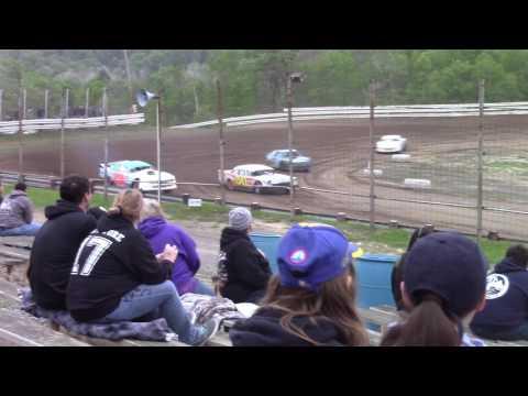 Hummingbird Speedway (5-20-17): Street Stock Heat Race #2