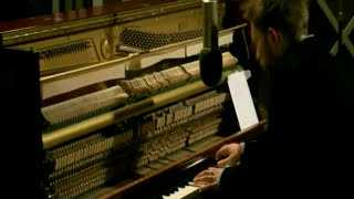 Great version¡.Thom Yorke playing this beautiful song from the albu...