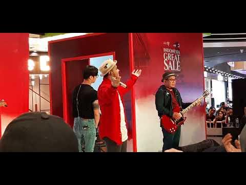 Yovie And Nuno - Menjaga Hati (Live At AEON Cakung) 18 Agustus 2019