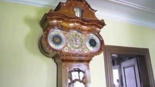 ゲーテが暮らしたフランクフルトの家。 きしきしときしむ床がこの家の時...