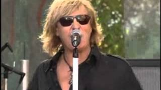 """Def Leppard on the Tonight Show with Jay Lenno (2006) performing """"2..."""
