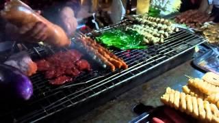Уличная кухня Китая(Это видео записано в Китае в городе Донгуань. В небольшом гетто квартальчике., 2013-07-09T04:35:32.000Z)