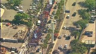 LIVE: Workers march at LAX draws hundreds, prompts minor traffic delays I ABC7