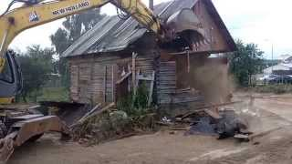 видео Демонтаж половины деревянного дома
