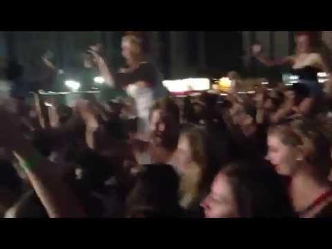 Jay-Z & Rihanna Wireless Festival 2013 (Run This Town)