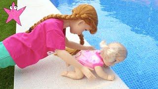 Anna y Elsa problemas con los bebés en la guardería ¡vaya lío!