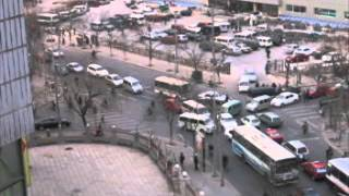 11.2 Minutes of Beijing Traffic, Pedestrians, Bicycles (1) - Beijing, China . 2005 ( 北京交通 )