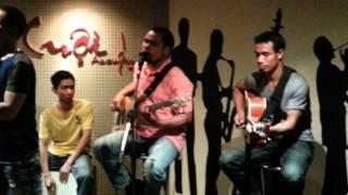 Lời yêu thương - Ksor Duc (The Voice) tai Cuoi Acoustic, TP Pleiku, Gia Lai