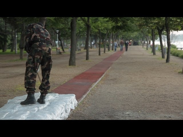 Kommentár nélkül: Gátépítés a Margitszigeten
