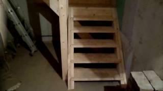 Деревянная лестница на второй этаж(45 градусов наклон. высота ступенек 20 сантиметров. ширина 90 сантиметров. брус 200*50 мм. столбы 100*100 мм. ступеньк..., 2016-12-31T03:13:46.000Z)