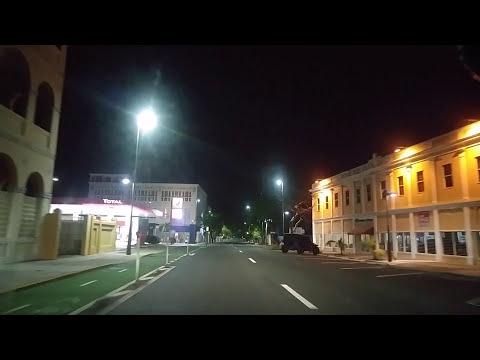 Manejando de noche por San Juan,Puerto Rico
