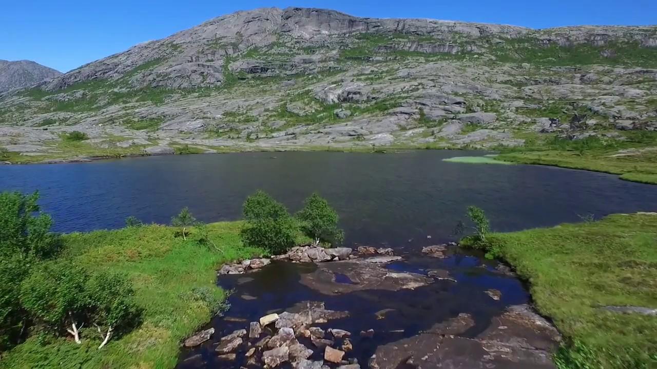 Small lakes below Mjønesskaret