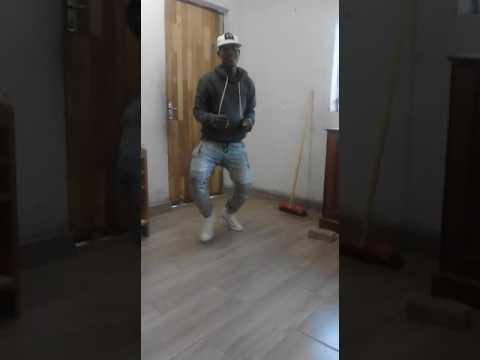 Jacob Zuma son dance oe batla kae ko mokokotlong