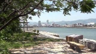 高知市鏡川河口の丸山台は公園じゃけんど普段は浦戸湾・鏡川河口に浮か...