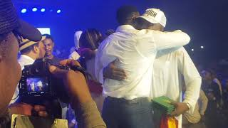 E!!!- SHATTA WALE GOES DOWN FOR THE MAN WHO BOUGHT THE FIRST COPY OF HIS ALBUM