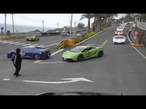 Автопробег владельцев дорогостоящих суперкаров