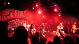 4.6.2013 Five Finger Death Punch - No One Gets Left Behind / War Is The Answer - Hamburg, Markthalle