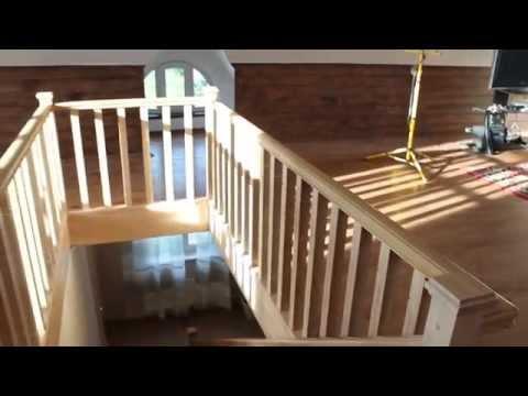 Деревянная лестница на второй этаж в частном доме от lestnica100.ru