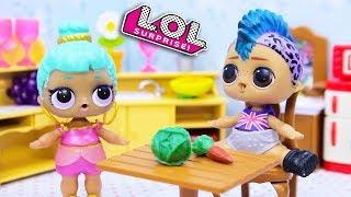 Смешные мультики #30 про куклы лол сюрприз. Весёлые Игрушки LOL Dolls