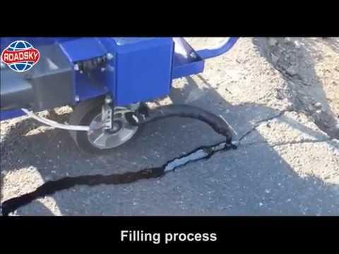 Working Video Of Asphalt Filling Machine For Crack Repair