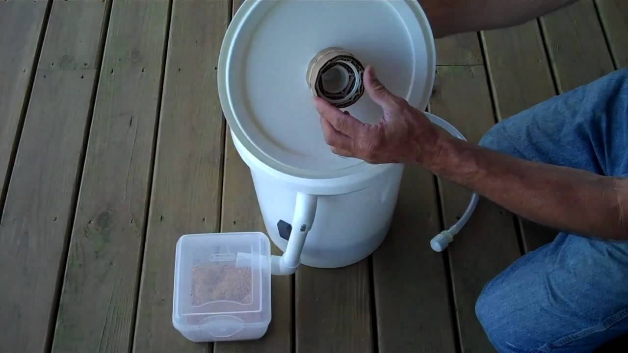 Diy Black Soldier Fly Bucket Composter Part 1 Youtube