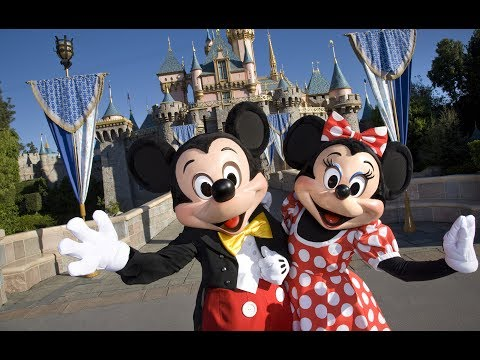 Walking in Disneyland California 4K