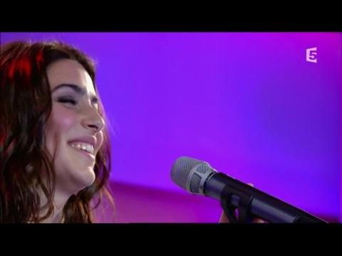 Léa Paci, en Live - C à vous - 12/05/2017