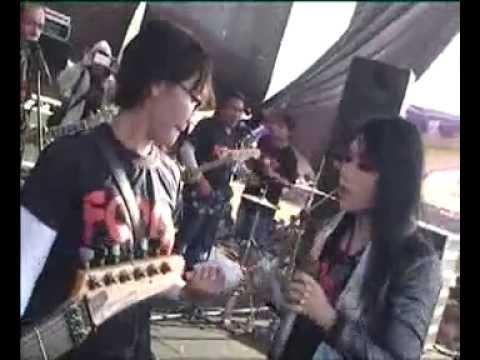 Ratna Antika ~ AKU RAKUAT Monata Live FORCE Kedumulyo Pati 2015