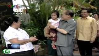 Chủ tịch Quốc hội Nguyễn Sinh Hùng thăm tỉnh Luông Pha-băng , Lào