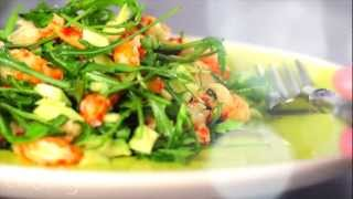 Салат с авокадо и раковыми шейками - как быстро приготовить вкусный салат - легкий рецепт