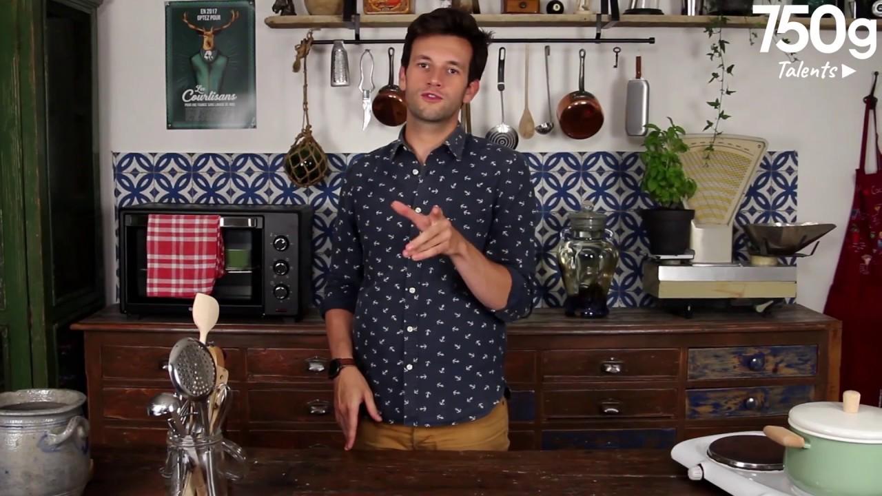 recette de penne la sauce tomate r tie de la cuisine de cl ment 750g youtube. Black Bedroom Furniture Sets. Home Design Ideas