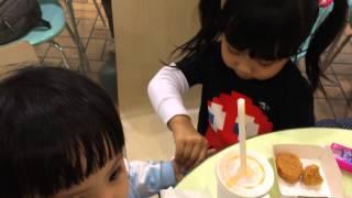 食m記前要用潔手液清潔雙手