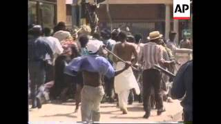 SOUTH AFRICA: DURBAN: PROTESTERS AND POLICE COME INTO CONFLICT