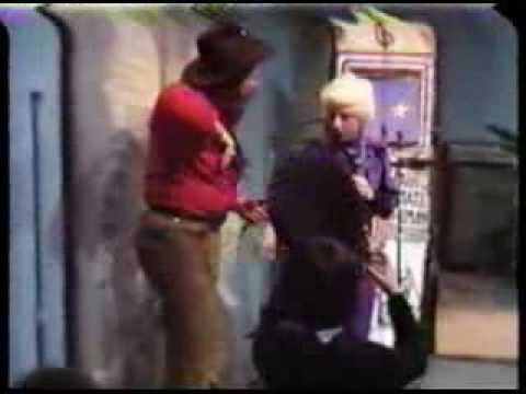Travus T.Hipp-Human Juke Box-Cosmic Cow Girl-Girl Geo-TV
