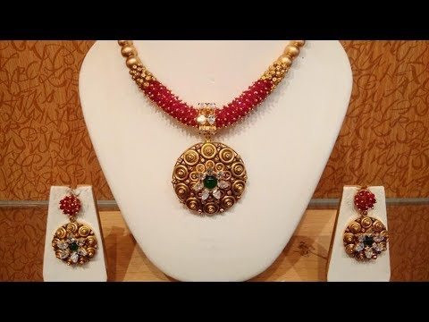 Traditional Elegant Gold Jewellery Design