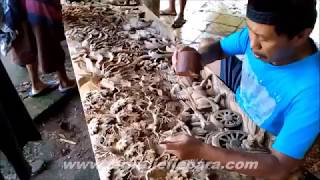 Luar Biasaaaa , Proses Ukir Relief Karno Tanding Di Jepara