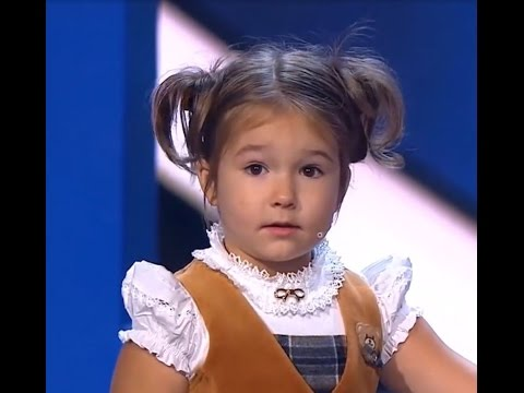 Awesome girl! Speaks fluently 7 languages a 4 years old Bella from Russia. HD!