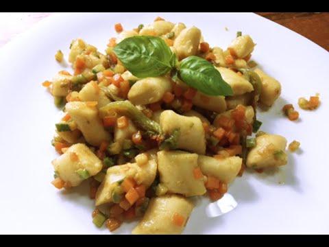 Gnocchi di Cous Cous con Verdure e Salsa di Soia