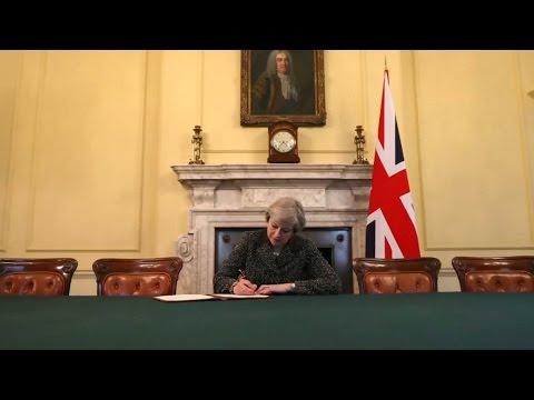 Britain's man in Brussels delivers UK divorce letter to EU