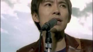 25th single 「さわって・変わって」 発売日:2001年12月12日.