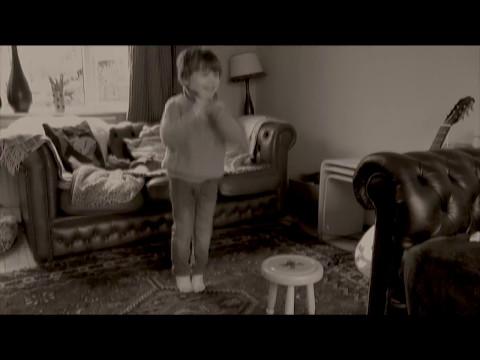 Disappearing boy -The Magic of Cinema.. No CGI... Incredible