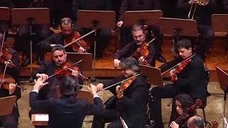 Mozart: Requiem K626 - Roberto Molinelli, conductor