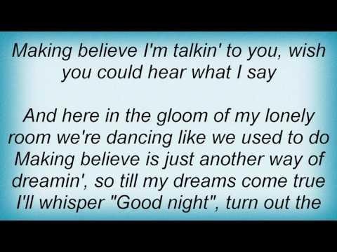 Ella Fitzgerald - I'm Making Believe Lyrics